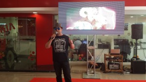 locutor comercial y animador para eventos y promociones